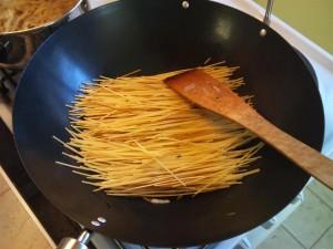 Kínai sült tészta vokban
