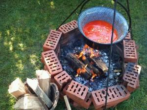 paprikás krumpli bográcsban 3